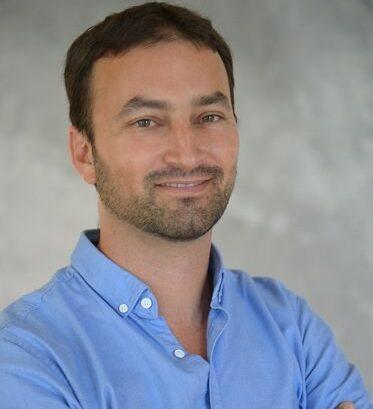 Akiva Armon, Founder