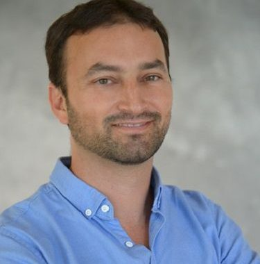 Revolutionizing Real-Time Parking Management  Akiva Armon, Founder & CEO, Wisesight