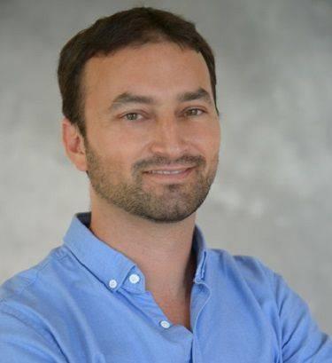 Revolutionizing Real-Time Parking Management Akiva Armon, Founder & CEO, Wisesight