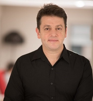 Building Teams in Style Oren Goldshtein, CEO & Co-founder, Vectorious Medical Technologies