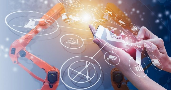 What is advanced manufacturing and how it is making effective use of technologies?