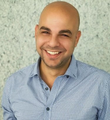 Onebeat : Redefining Retailing with Intuitive Solutions Ziv Pitshon, CEO, Onebeat